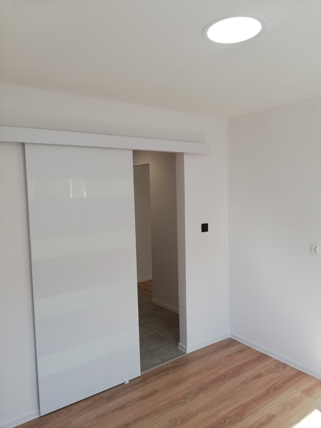 Mieszkanie dwupokojowe na sprzedaż Kielce, Czarnów-Osiedle, Urzędnicza 18  36m2 Foto 12