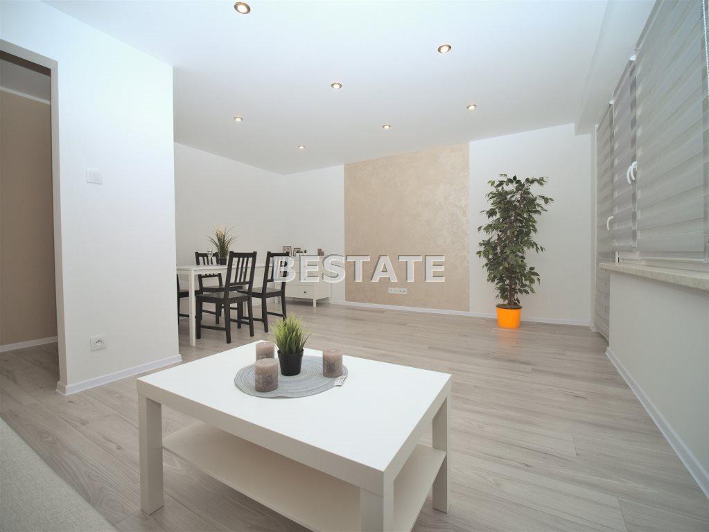 Mieszkanie dwupokojowe na sprzedaż Tarnów  48m2 Foto 1