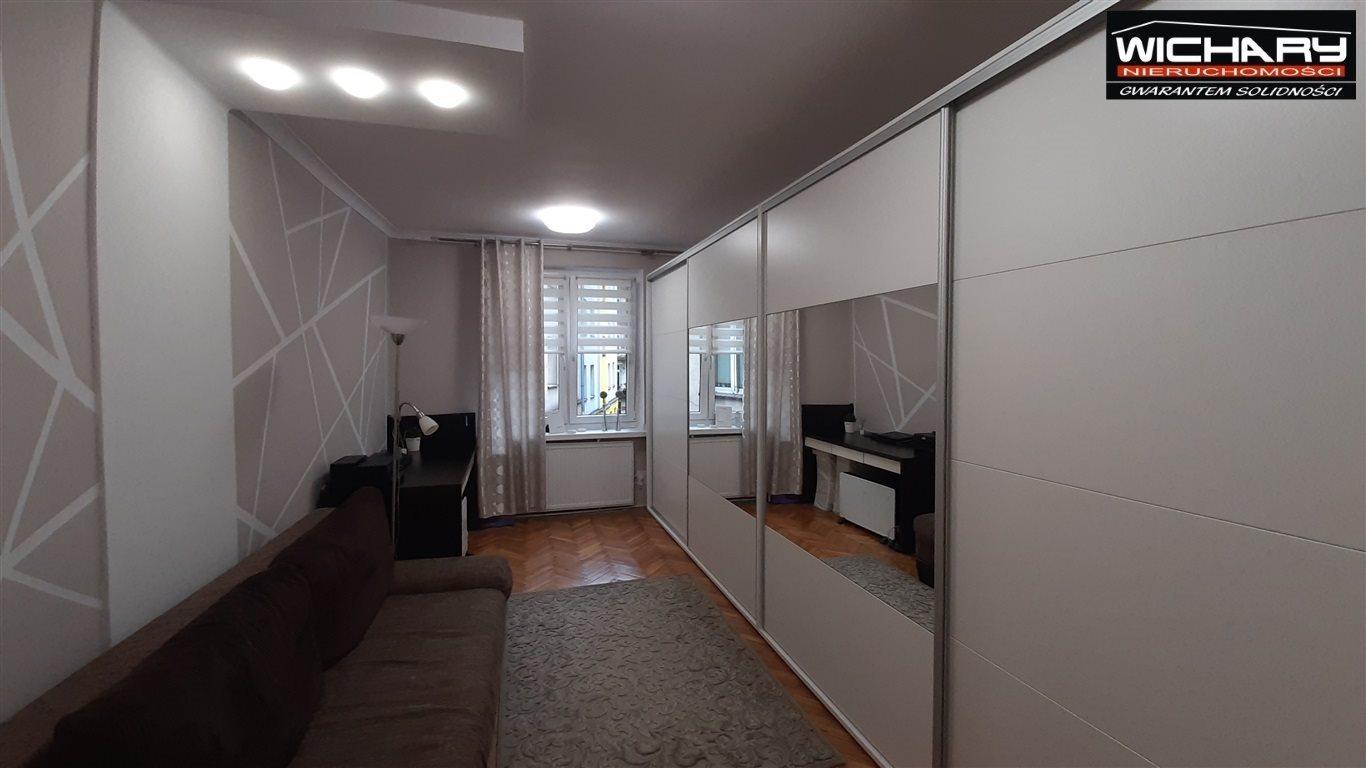 Mieszkanie trzypokojowe na sprzedaż Chorzów  70m2 Foto 3
