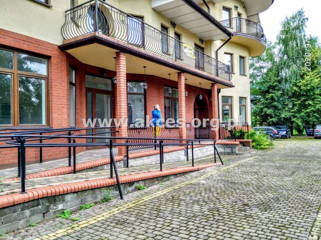 Lokal użytkowy na sprzedaż Halinów  600m2 Foto 1