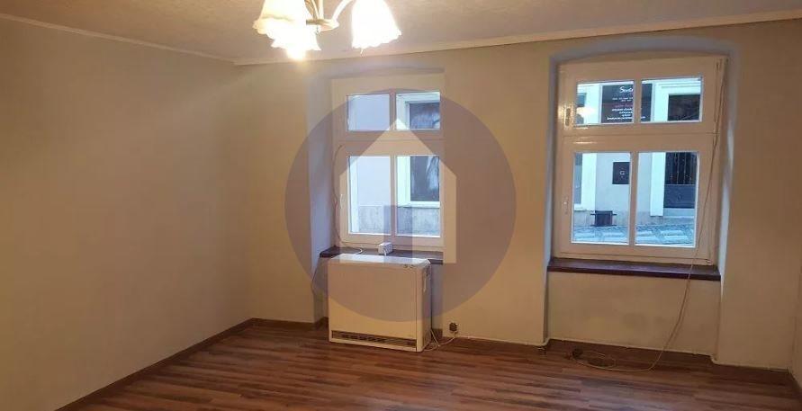 Mieszkanie dwupokojowe na sprzedaż Dzierżoniów  41m2 Foto 1