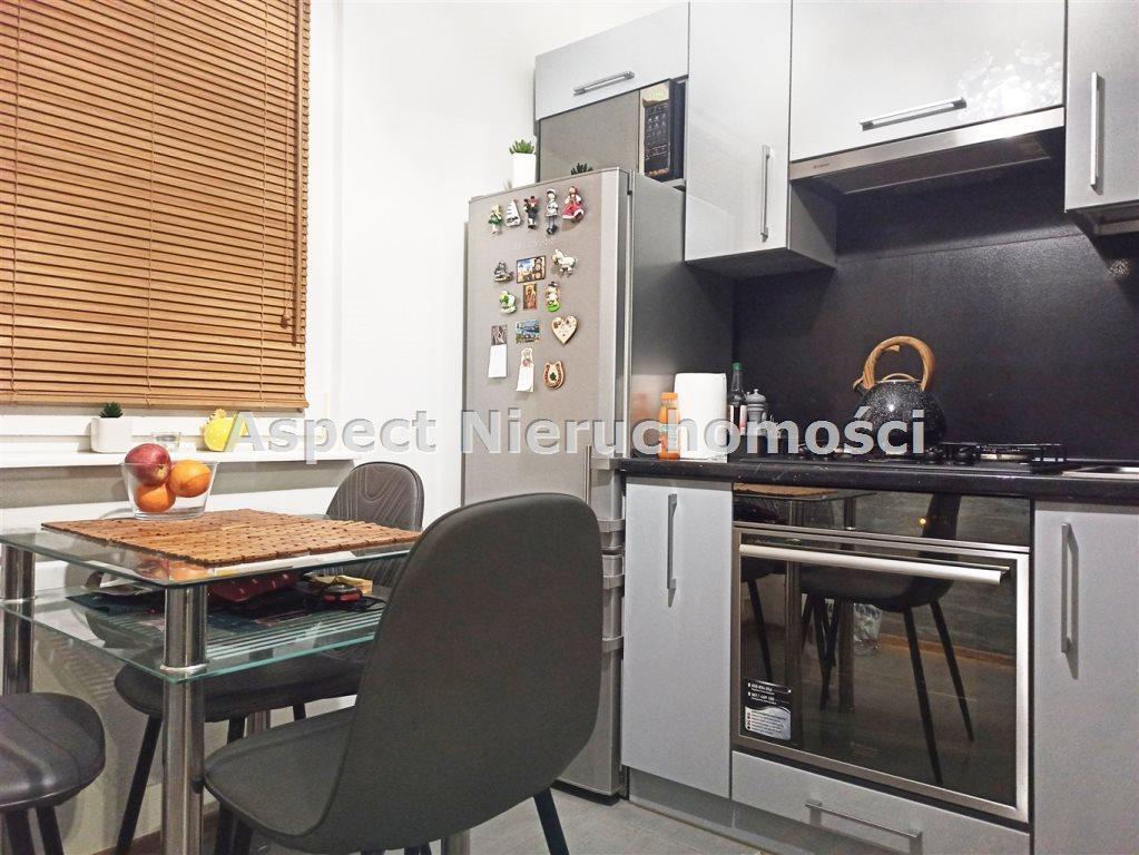 Mieszkanie dwupokojowe na sprzedaż Radom, Ustronie  45m2 Foto 1