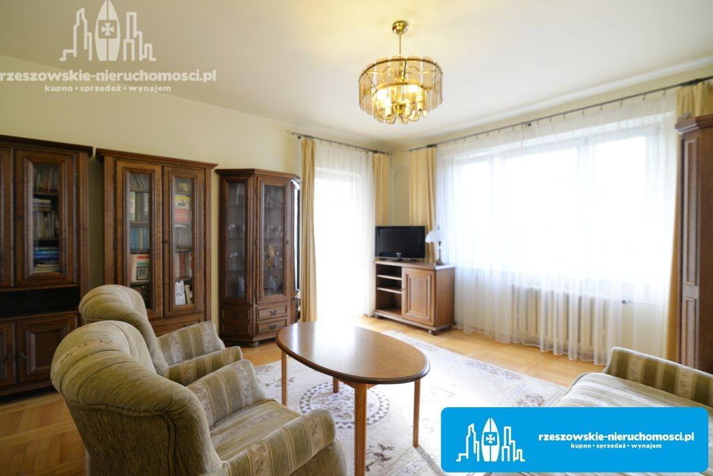 Mieszkanie trzypokojowe na sprzedaż Rzeszów, Krakowska-Południe, Karola Lewakowskiego  66m2 Foto 1