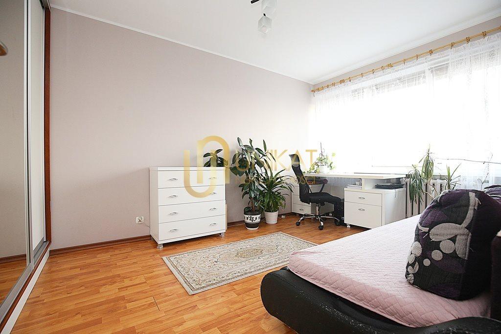 Mieszkanie czteropokojowe  na sprzedaż Białystok, Antoniuk, Władysława Broniewskiego  63m2 Foto 4