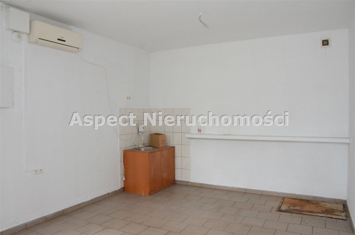 Lokal użytkowy na wynajem Częstochowa, Stradom  18m2 Foto 1