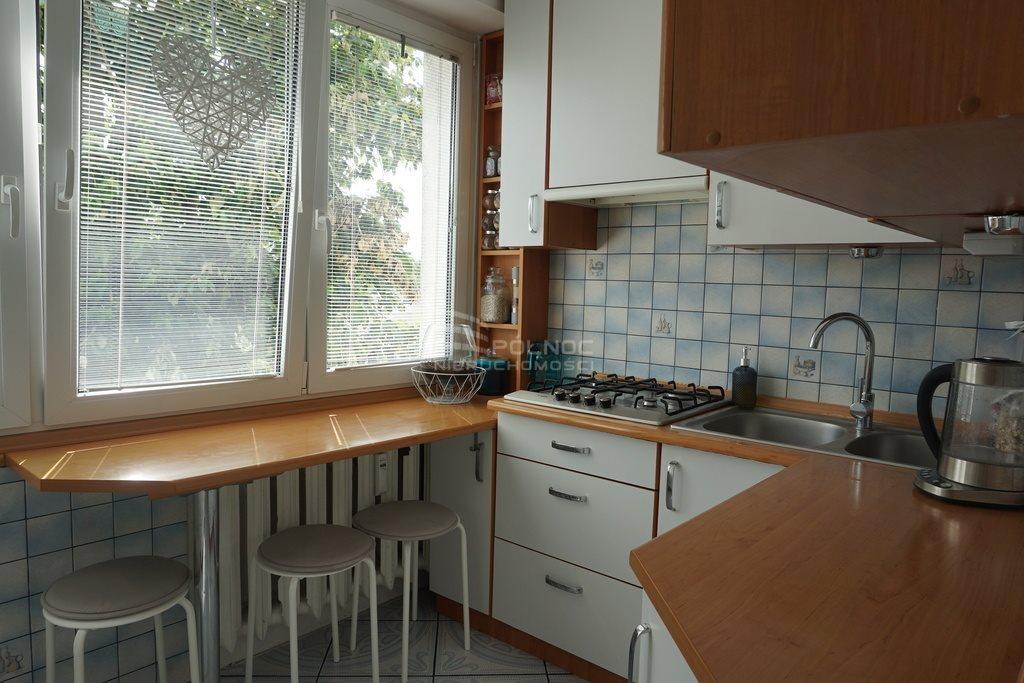 Mieszkanie trzypokojowe na sprzedaż Pabianice, M-4 umeblowane, dostępne od zaraz, plus garaż  48m2 Foto 2
