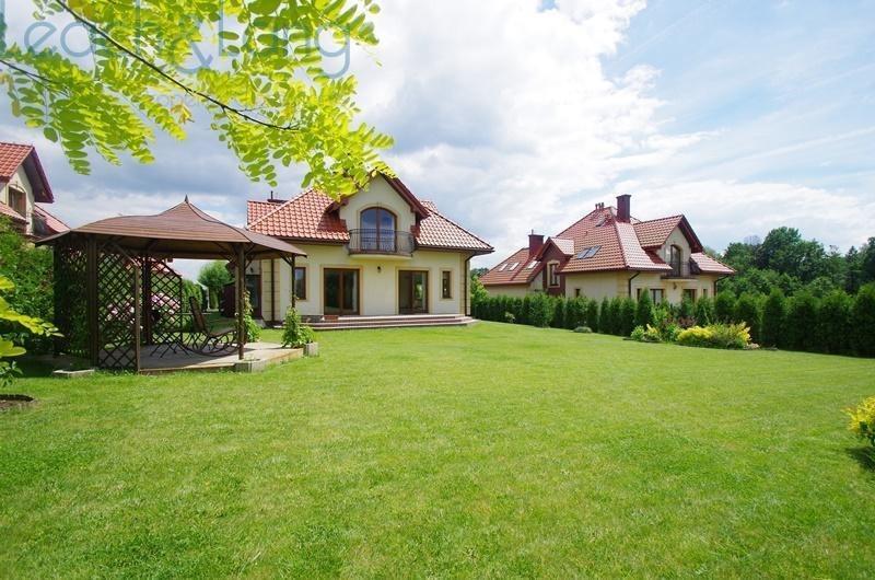 Dom na wynajem Kraków, Podgórze, Petrażyckiego, Leona  258m2 Foto 1