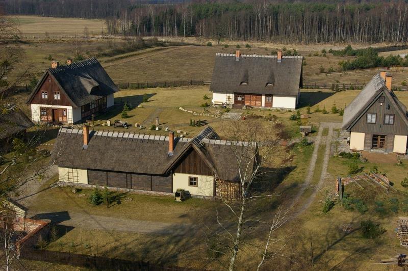Dom na sprzedaż Miedzno, MIEDZNO, Miedzno K/ Karsina  860m2 Foto 3