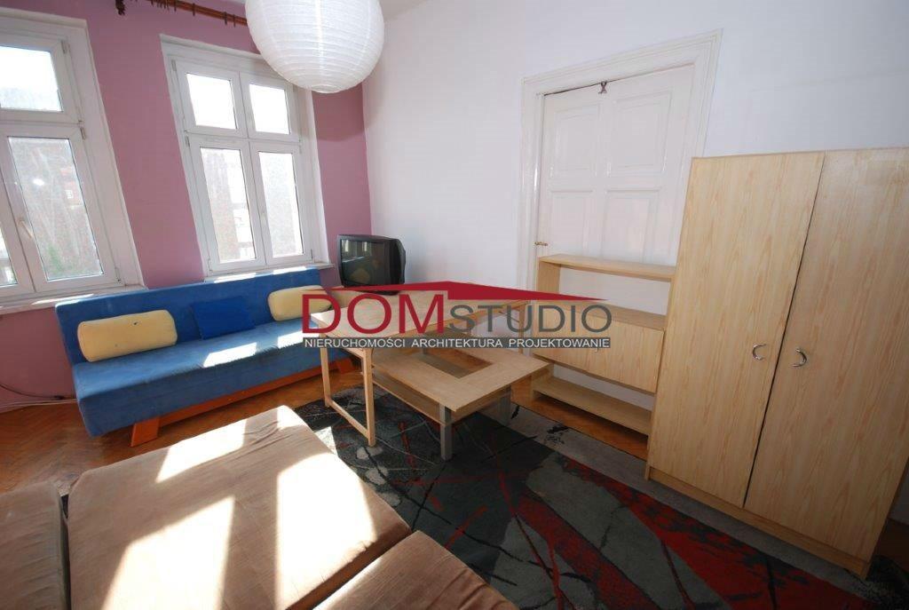 Mieszkanie trzypokojowe na wynajem Gliwice, Centrum  82m2 Foto 1