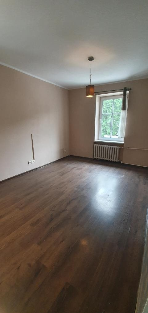 Mieszkanie trzypokojowe na sprzedaż Szczawno-Zdrój  54m2 Foto 2