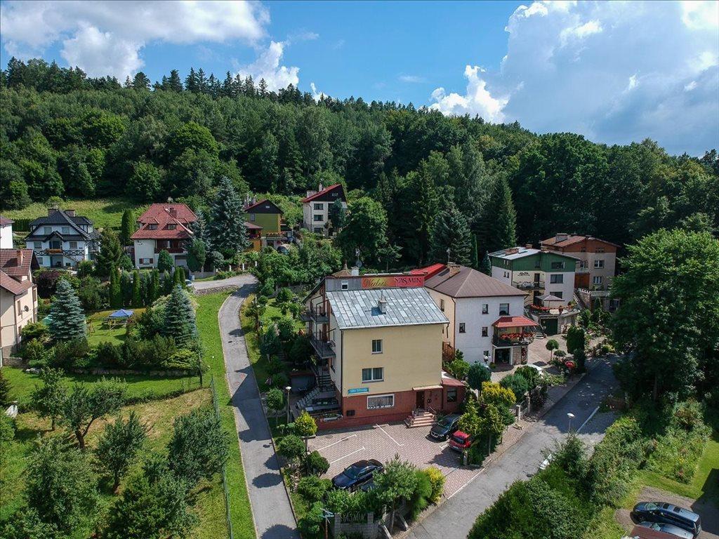 Mieszkanie trzypokojowe na sprzedaż Polanica-Zdrój, Polanica-Zdrój, Jaśminowa  58m2 Foto 1