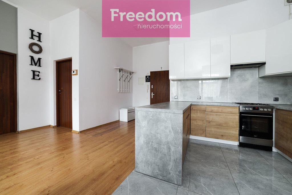 Mieszkanie trzypokojowe na sprzedaż Mrągowo, 8 Maja  64m2 Foto 3