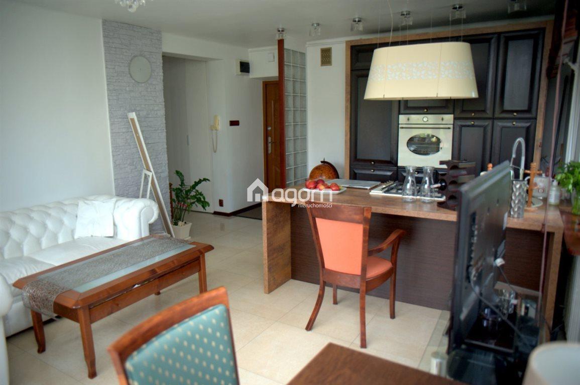 Mieszkanie trzypokojowe na sprzedaż Bielsko-Biała, Leszczyny  57m2 Foto 2