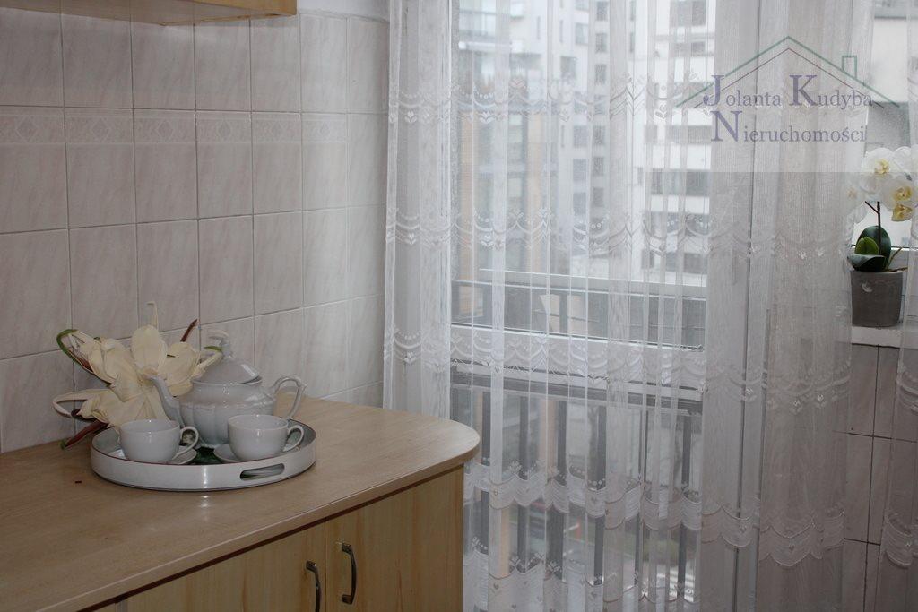 Mieszkanie trzypokojowe na sprzedaż Warszawa, Śródmieście, Grzybowska  58m2 Foto 2