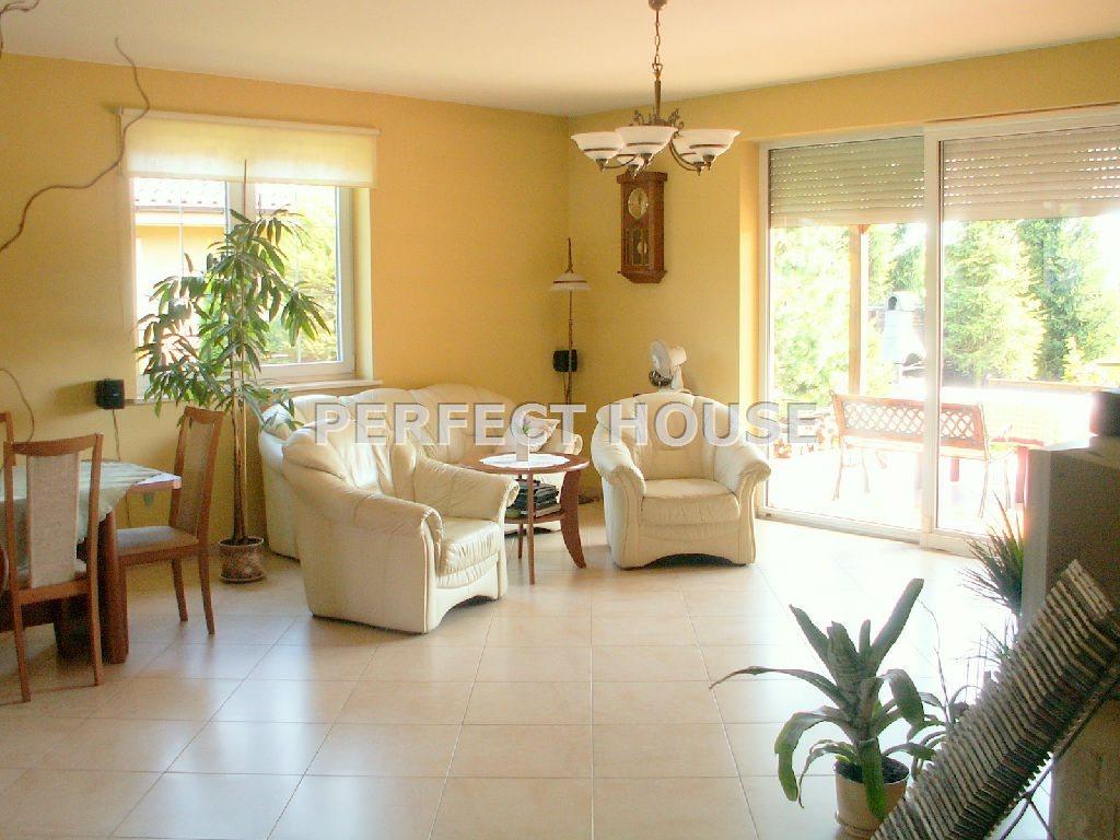 Dom na sprzedaż Sady  148m2 Foto 1