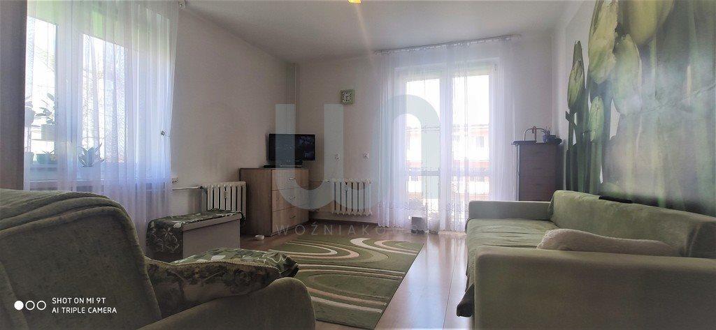 Mieszkanie dwupokojowe na sprzedaż Częstochowa, Śródmieście  57m2 Foto 1